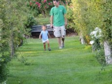 dad and toddler in garden,toddlers gifts