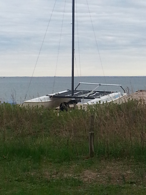 broken down old boat on the beach,photos