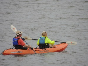 couple kayaking together,images