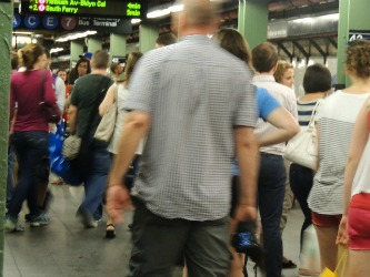 people standing at nyc subway,travel gift nyc