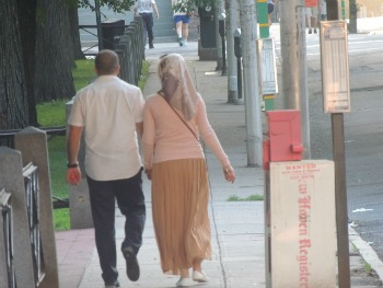 muslim arabic couple walking together,images